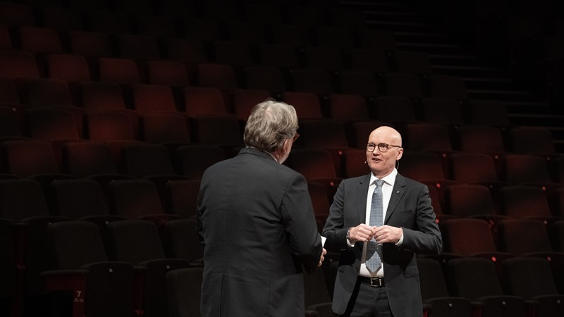 Opening Concert host Arild Erikstad and festival director Anders Beyer. Photo: Thor Brødreskift